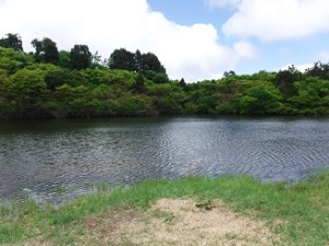 ドンデン池