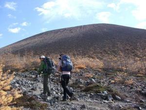 ④賽の河原から山頂へ